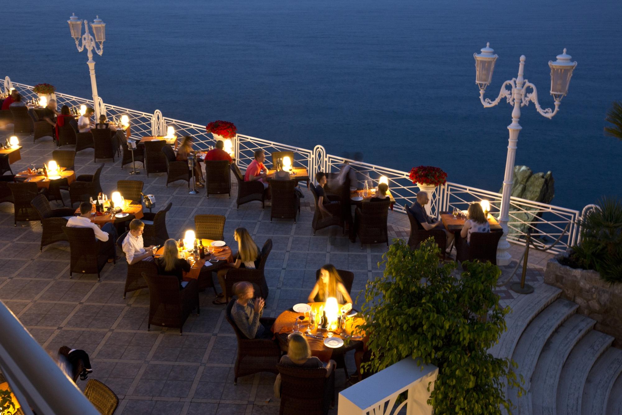 dinner_terrace